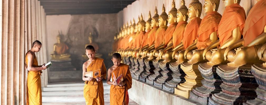 Monaci ad Angkor Wat, Cambogia